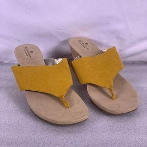 BANDOLINO Sarita Wedge Sandals